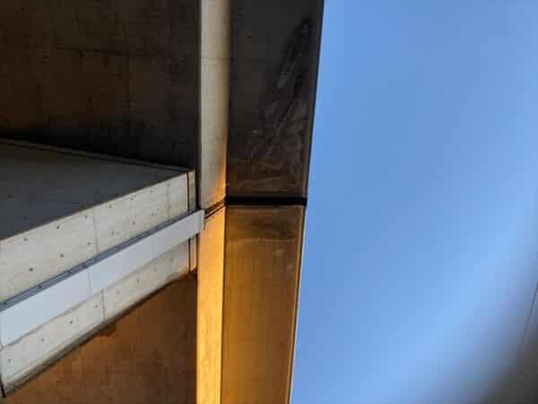 陸橋の補強改修塗装から考える 雨漏りを防ぐこと、補修することの難しさ