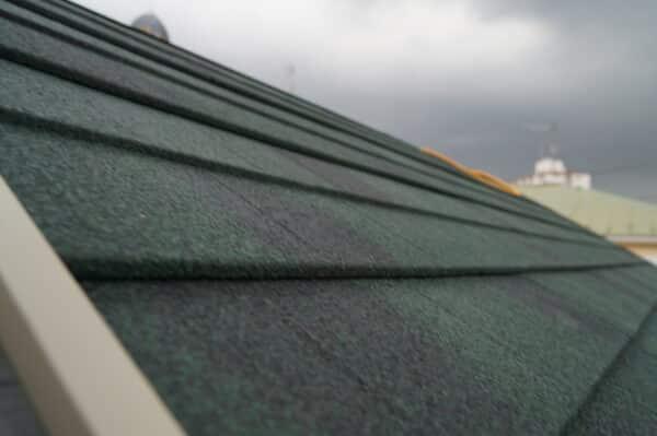 塗装工事の際には屋根も診断 塗ることのできない屋根材とは何か